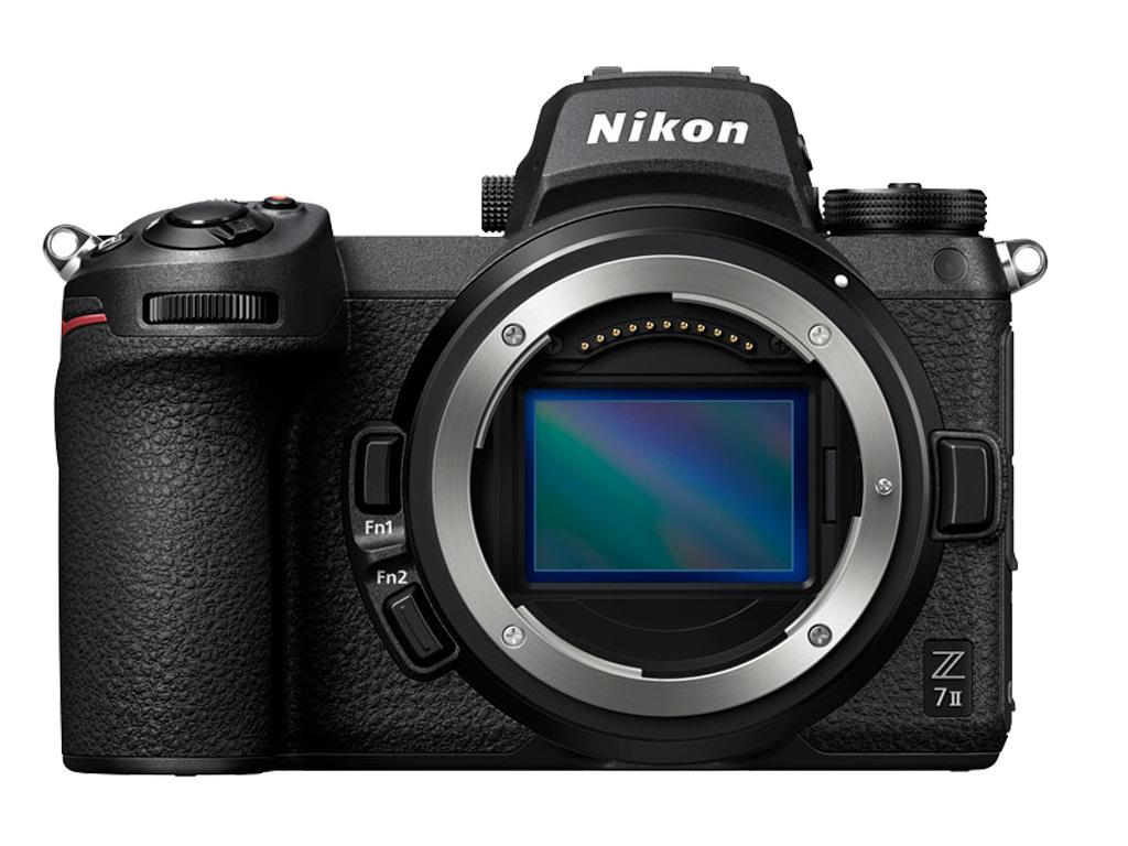 Câmera Nikon Z 7II  frontal